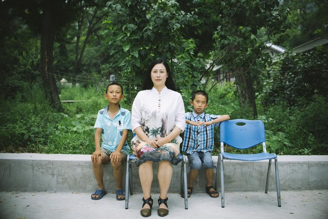 谢燕益太太原珊珊及其兒子