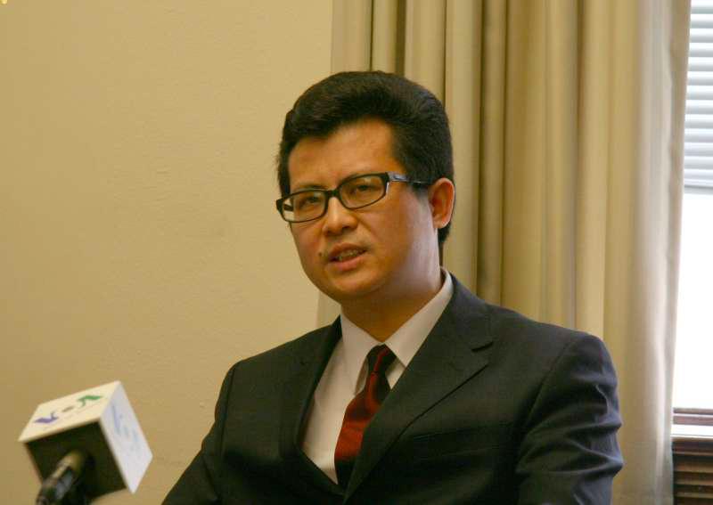 笑蜀:对人权律师的打压是当代中国法治史上最大的笑话